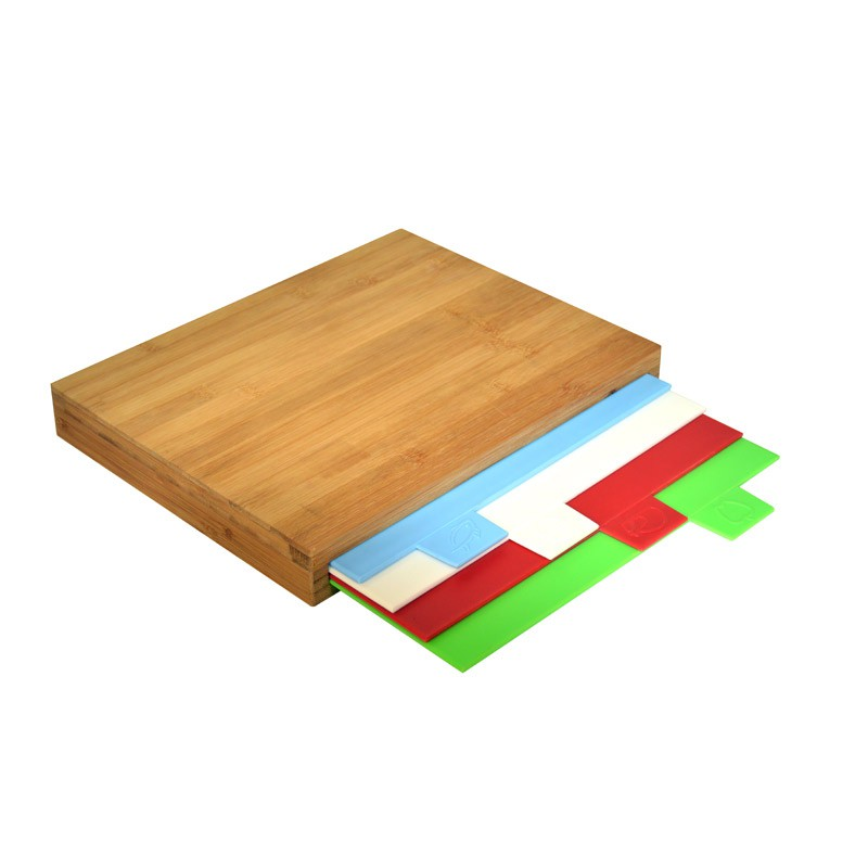 BAMBOO CUTTING BOARD W/ 4 PLASTIC BOARDS