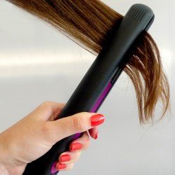 FLAT IRON HAIR STRAIGHTENER